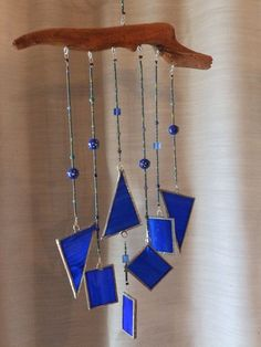 Stained Glass Driftwood Windchime by SunWindGlass on Etsy Stained Glass Suncatchers, Stained Glass Crafts, Stained Glass Lamps, Stained Glass Designs, Stained Glass Patterns, Mosaic Glass, Fused Glass, Glass Wind Chimes, Diy Wind Chimes