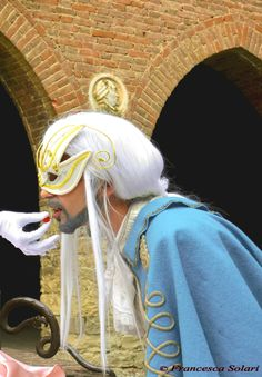 Weerbloom from Leodhrae http://www.aurorafilippi.com/  Photo by: Francesca Solari https://www.facebook.com/Francesca-Solari-Photography-454269394624161/ Location: Grazzano Visconti (Italy) #leodhrae #fantasy #costume #cosplay #book #novel #fairyland