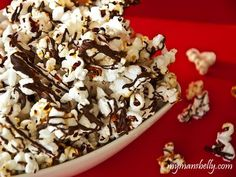 An Addicting Snack – Homemade Kettle Corn Drizzled With Chocolate