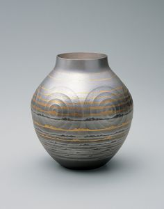 Osumi Yukie | Silver Vase: Distant Sea (2005), Available for Sale | Artsy