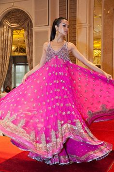 Everything related to indian fashion; Pakistani Outfits, Indian Outfits, Indian Clothes, Pakistani Bridal, Indian Bridal, India Fashion, Asian Fashion, Indiana, Indian Couture