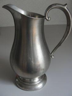 Preisner Pewter Pitcher 2090 by BarnshopAntiques on Etsy Antique Pewter, Antique Items, Wilton Armetale, Great Works Of Art, Still Life Photos, Ceramic Pottery, Flower Art, Vase Ideas, Bronze