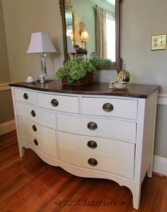 As I seek out classic pieces of furniture to relove, I occasionally bump into the beautiful style of Hepplewhite.               What to d...