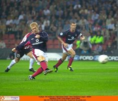 PSV Eindhoven 3 Man Utd 1 in Sept 2000 at Phillips Stadion. Paul Scholes scores (penalty) #ChLgeGroup
