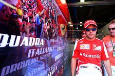 Williams? Sauber? Lotus? Force India? Brasileiro faz mistério quanto à seu futuro na F-1.