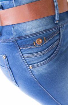 JEAN CON BOLSILLO (stone medio) Love Jeans, Denim Jeans Men, Jeans Style, Jeans Pants, Shorts, Jean Moda, Jogger Pants Outfit, Coral Jeans, Denim Trends