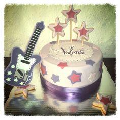 Pastel de fondant con el tema de la serie Violeta. #fondant, #pastel, #violeta, #cumplea, #toda_ocasion