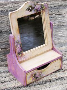"""Smalkais stils: Antīks spogulis ar atvilktni """"Burve"""""""