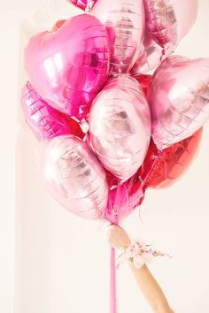 Pink Heart Balloons Image By Julia & You Photography - Love and Valentines Inspired Wedding Decor and Fashion Editorial By Rock My Wedding. Birthday Photography, Party Photography, Balloons Photography, Photography Ideas, Fashion Photography, Valentines Balloons, Birthday Balloons, Valentine Wreath, Birthday Nails