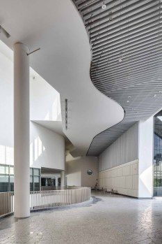 Spontaneous Contemporary Architecture of Stephen Riady Centre, Singapore by DP Architects (8)
