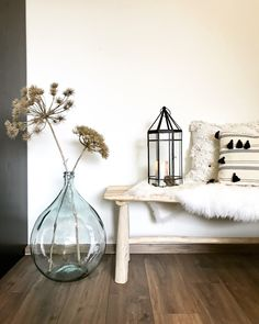 5 deco express with candles - HomeDBS Hanging Flower Wall, Flower Wall Decor, Flower Frame, Living Room Decor, Bedroom Decor, Interior And Exterior, Interior Design, Pressed Flower Art, Beautiful Houses Interior