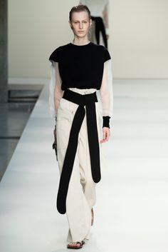 Marni Spring 2015 Ready-to-Wear Collection Photos - Vogue