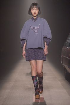 See all the Collection photos from Coach 1941 Autumn/Winter 2019 Pre-Fall now on British Vogue Runway Fashion, Fashion News, Boho Fashion, High Fashion, Fashion Show, Fashion Outfits, Womens Fashion, Fashion Design, Fashion Trends
