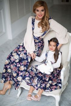 Красивые комплекты платьев для мамы и дочки.