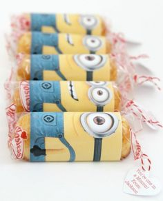 Use Twinkies to make these minion valentines.