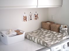 Kuistin kautta: Vauvan hoitopiste Baby Room Decor, Nursery Room, Laundry Room Bathroom, Kids And Parenting, Kids Room, Toddler Bed, Sweet Home, Interior, Home Decor