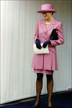 Diana de Gales pamela look