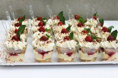 Tiramisu cu zmeura Tiramisu, Sweets Recipes, Desserts, Mousse, Cheesecake, Baking, Om, Addiction, Sweet