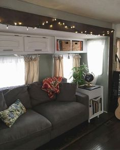 Awesome Modern Rv Living And Tips Remodel Ideas To Copy Asap. It is recommended that renting an RV or tiny house would be a healthy exercise in order to get the … Home Renovation, Home Remodeling, Camper Remodeling, Camper Renovation, Kitchen Remodeling, Rv Interior, Interior Design, Interior Ideas, Motorhome Interior