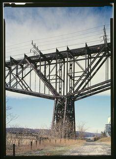 TOWER DETAIL, POUGHKEEPSIE SIDE - Poughkeepsie Bridge, Spanning Hudson River, Poughkeepsie, Dutchess County, NY 1986