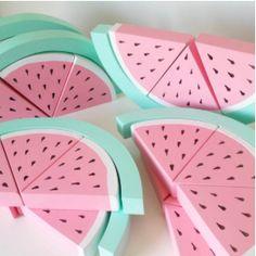 Wir wollen Einhörner, Wassermelonen, pastellige Farben, Sonne und überhaupt. Wann wird es wieder warm?