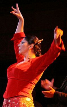 Manuela Carrasco, a living legend.  She was the dancer that made me fall for Flamenco and I was lucky enough to be able to take a workshop with her a few years ago.  She has such power onstage, as well as off!