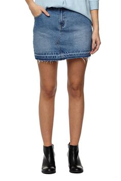 The mini denim skirt is a denim essential, featuring front fly and seam detail with a raw hem. Composition 100% cotton.