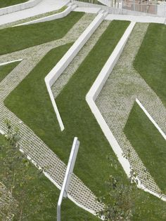 Image 6 of 21 from gallery of San Martín de la Mar Square / Zigzag Arquitectura. Courtesy of Zigzag Arquitectura Landscape Stairs, Landscape And Urbanism, Landscape Architecture Design, Urban Landscape, Landscape Architects, Architecture Portfolio, Terraced Landscaping, Modern Landscaping, Backyard Landscaping