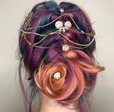 33 Cool & Colorful Hairs Ideas