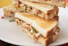 Σάντουιτς με τόνο Για ένα γρήγορο και ελαφρύ γεύμα.