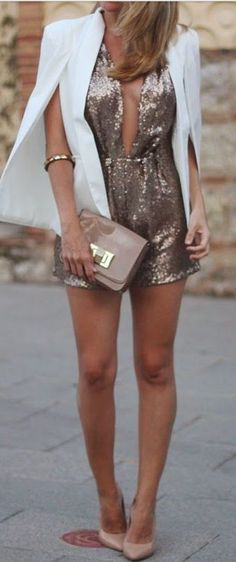 28 Gorgeous Bachelorette Outfits With A Wow Factor: Sequin romper, a white cape and nude heels New Years Outfit, New Years Eve Outfits, Night Out Outfit, New Years Eve Outfit Ideas Winter, Bachelorette Outfits, Nye Outfits, Holiday Outfits, Fashion Outfits, Clubbing Outfits