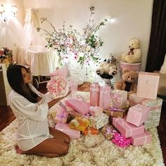 Floristsinindia is a online shopping website. Which has a lot of gifting products such as Valentine Flower in delhi , Gifts , cakes , teddy and a lot of special valentine gifting items etc. We have special valentine gifting items. http://www.floristsinindia.com/valentine