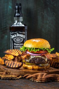 Jack Daniels Burgers (T. Friday's Copycat - Burger & Sandwiches, Toasts & D. - Jack Daniels Burgers (T. Friday's Copycat – Burger & Sandwiches, Toasts & Dogs & more – - Jack Daniels Burger Recipe, Hamburgers, Backyard Burger, Beste Burger, Cheeseburger, Homemade Burgers, Good Food, Yummy Food, Gourmet Burgers