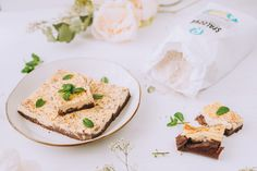Tvarohový brownie čízkejk - ravita.sk Camembert Cheese, Dairy, Food, Basket, Essen, Meals, Yemek, Eten