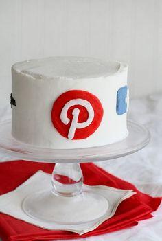 @KatieSheaDesign ♡❤ #Cakes ❤♡ ♥ ❥ Social Media Cake!   (Love this  :) @KatieSheaDesign  )