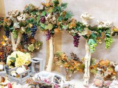 Uva e fiori artificiali per vetrine e decorazioni. Mille idee per il tuo allestimento.