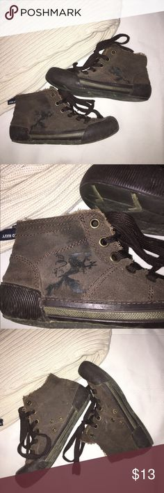 Boys Distressed Faux Suede Hightops Great Condition, just need to be wiped off. Faux Suede with pretty sweet dragon design on the side. Very cute ☺️ Urban Pipeline Shoes Sneakers