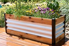 Corrugated Metal and Wood Raised Bed Garden Beds | Gardeners.com