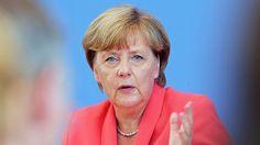 «Was Frau Merkel früher so perfekt gelang: die Abwesenheit von Politik als Politik zu verkaufen und dadurch die Republik zu entpolitisieren.» https://de.pinterest.com/amhlenbrock/politik/