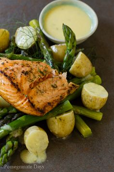 Grilled fresh salmon salad recipe with a simple French dressing.  This salmon recipe may sound light, but as the salad is packed full of fresh vegetables, it makes an excellent healthy and easy dinner option.  This is one recipe you will want to pin!