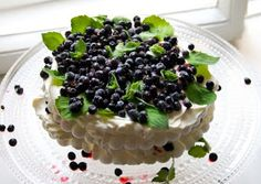 Meringue Cake, Acai Bowl, Blueberry, Pudding, Breakfast, Simple, Desserts, Food, Gourmet
