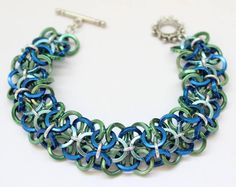 Ocean Waves Chain Maille Bracelet with Vanessa Walilko #BeadFestSummer #ChainMaille #Jewelry
