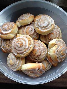 Schneckennudeln mit Nussfüllung, ein leckeres Rezept aus der Kategorie Kuchen. Bewertungen: 79. Durchschnitt: Ø 4,7.