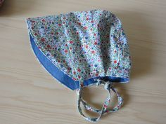 Reversible sunhat blue and miniflowered pattern Size 0-3