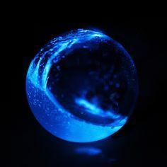 Big Bio, Night Light, Light Up, Blue Aesthetic Dark, Night After Night, Objet D'art, Science Lessons, Blue Walls, Wallpaper Backgrounds