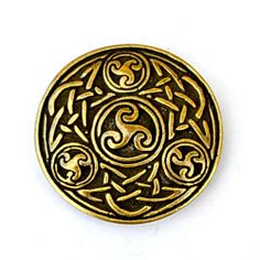 5 cm wide Celtic mount with spiral triskel based on the art of the Irish Middle Ages. A very nice addition for historical articles of leather. Available in wholesale and retail at www.peraperis.com - 5.99 €