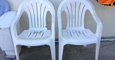 Repurposed White Plastic Chairs to Painted Pool Chairs Backyard Chairs, Backyard Play Spaces, Pool Chairs, Garden Chairs, White Plastic Chairs, Plastic Patio Chairs, Furniture Makeover, Diy Furniture, Garden Paths
