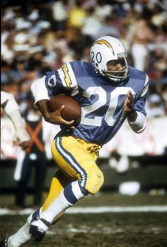 Running back Mike Garrett of the San Diego Chargers