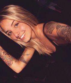 Imagem de girls, Tattoos, and loiras