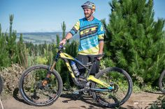 Brook rides a GT Force with Full Shimano.